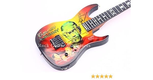 RGM126 Kirk Hammett METALLICA - Guitarra en miniatura: Amazon.es ...