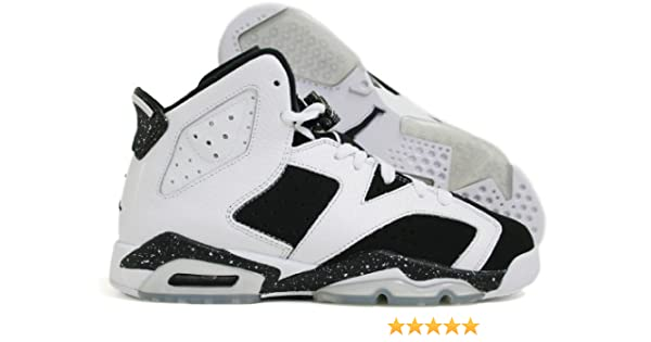 wholesale dealer 922dd 4a4f8 Amazon.com   Air Jordan Retro 6 (VI) (Kids) (White   Black) 5.5 M US Big Kid    Basketball