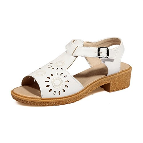 VogueZone009 Women's Buckle Low-Heels PU Solid Open Toe Sandals White ttALf1oosZ