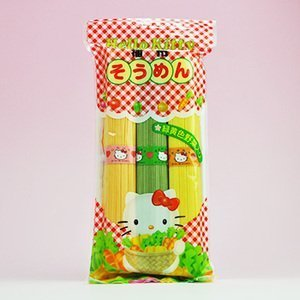 Hello Kitty Somen green and yellow vegetables containing 300g X3 bag set (Hello Kitty green and yellow vegetables noodles) (Kanesu noodle) by KANESU NOODLE Co.