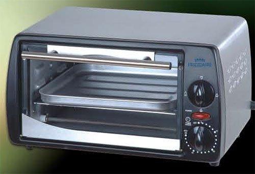 Frigidaire FD6125 9-Liter Toaster Oven, 220 to 240-volt