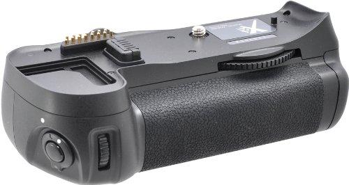 Xit XTNG7000 Pro Series Battery Power Grip for Nikon D7000 Digital SLR Cameras (MB-D11) (Black) (Nikon D7000 Battery Grip)