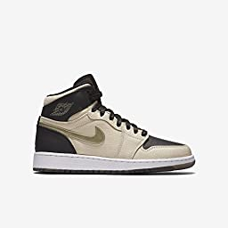 Nike Girl\'s Air Jordan 1 Retro High Premium Basketball Shoes Pearl White/Metallic Gold Star-Black-White 7.5Y