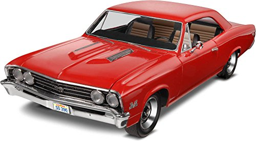 Revell 1:25 '67 Chevelle SS 396 Plastic Model Kit