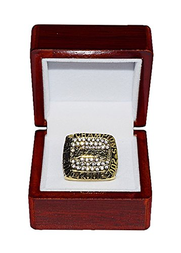 LOS ANGELES LAKERS (Staples Center) 2000, 2001, 2002 NBA FINALS WORLD CHAMPIONS (3 Championships In A Row) Rare & Collectible Replica NBA Gold Championship Ring with Cherrywood Display Box
