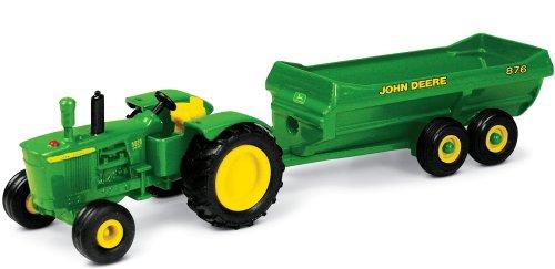 RC2 John Deere Tractor with Spreader
