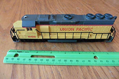 Bachmann Union Pacific 866 Diesel Locomotive train HO scale
