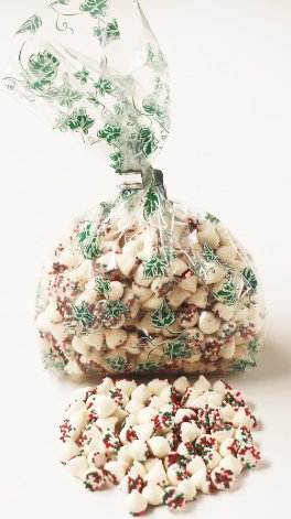 Ivy Chip (Scott's Cakes Christmas White Mint Chip Candies with Red, Green, and White Non-Pariels in a 8 oz. Green Ivy Bag)