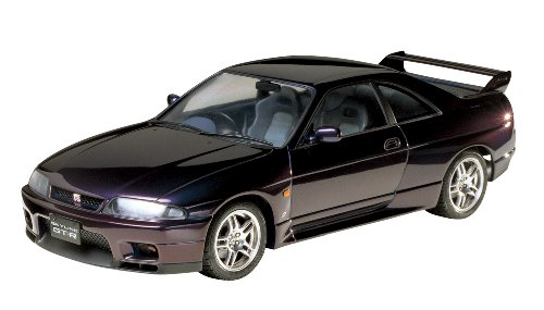 Tamiya Nissan Skyline GT-R R33 V-Spec- 1/24 Scale Model Kit 24145