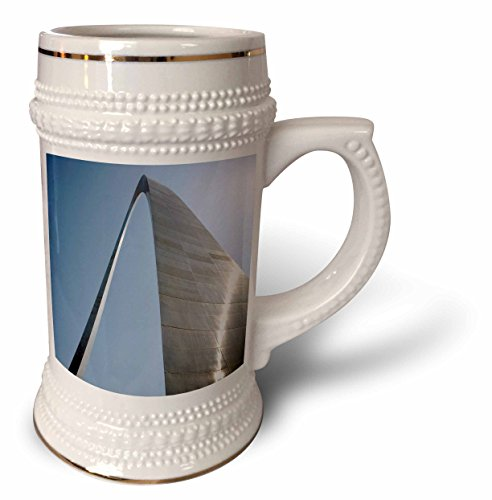 Jeffersons Arch - Danita Delimont - Missouri - Missouri, Gateway Arch, Jefferson Memorial - US26 RER0002 - Ric Ergenbright - 22oz Stein Mug (stn_91551_1)