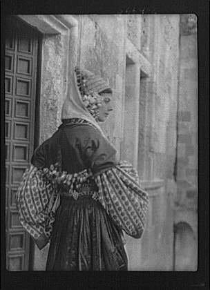 1929 Costume Jewelry (Photo: Jacobi,Madame,clothing,dress,women,nitrates,costume,Arnold Genthe,1929 1)