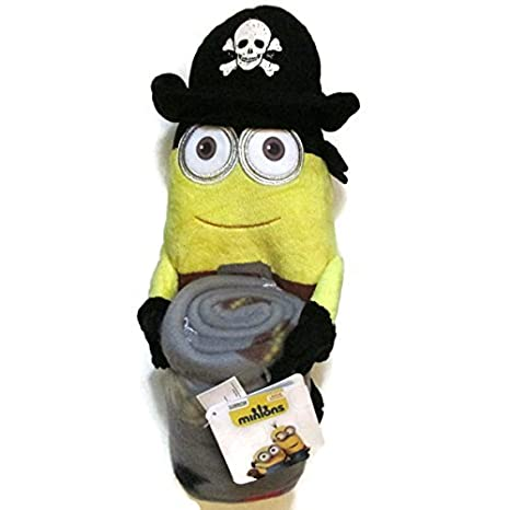 d30d44cc05 Amazon.com  Minion Pirate Character and Throw Set  Toys   Games