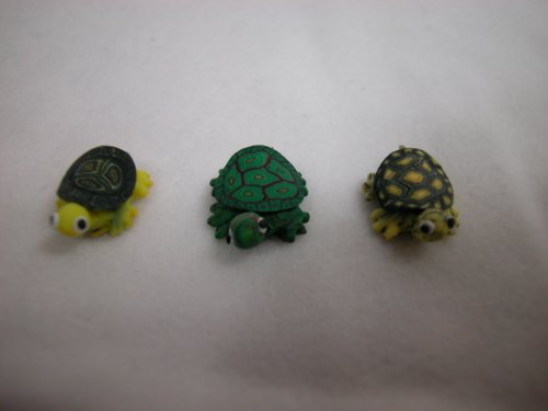 Dolls House Miniature 1//12th Scale Pack of 2 Grey Resin Tortoise