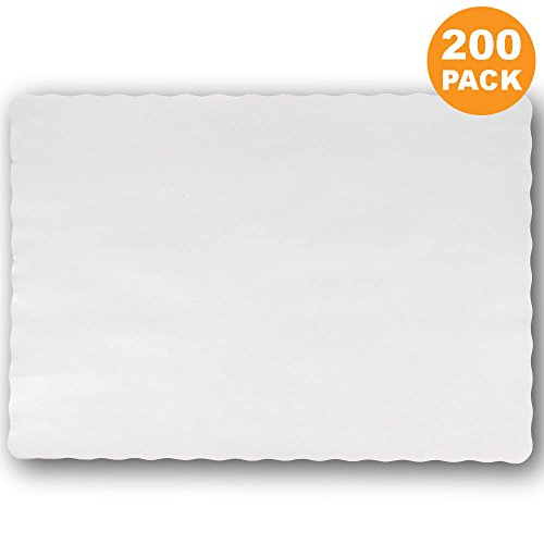 "Disposable 14 x 10"" Plain White Paper Placemat with Decorative Wavy Scalloped Edge [200 Pack]"