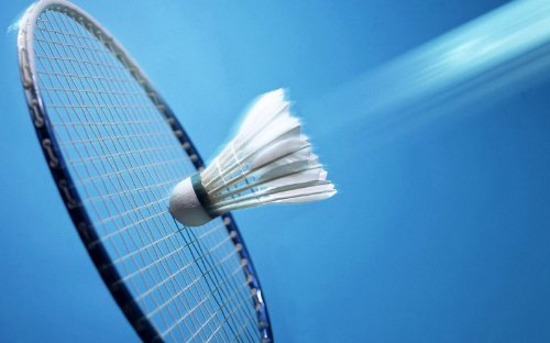 Learn Badminton: Complete guide to how to play badminton,  enjoy and play competitive