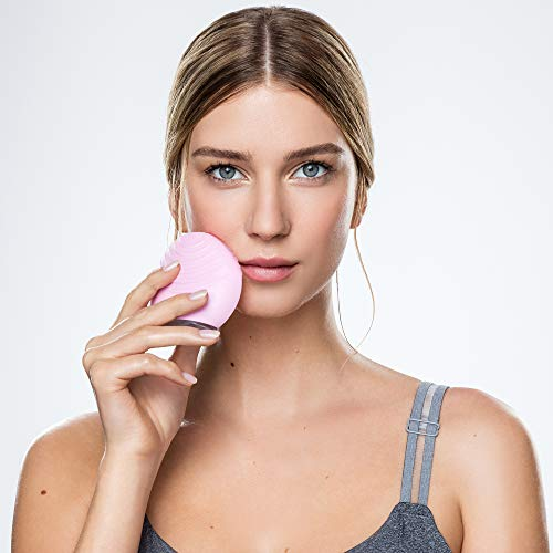 FOREO LUNA mini 2 Facial Cleansing Brush and Porta...