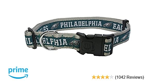 91adf63e826 Pets First NFL Dog Collar. 32 NFL Teams Available in 4 Sizes. Heavy-Duty,  Strong & Durable NFL PET Collar. Football Gear for The Sporty Pup.