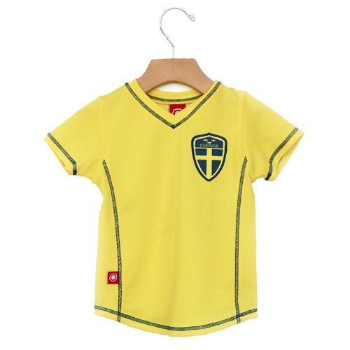 3d70a6a5b Amazon.com  Sweden Soccer Toddler Jersey