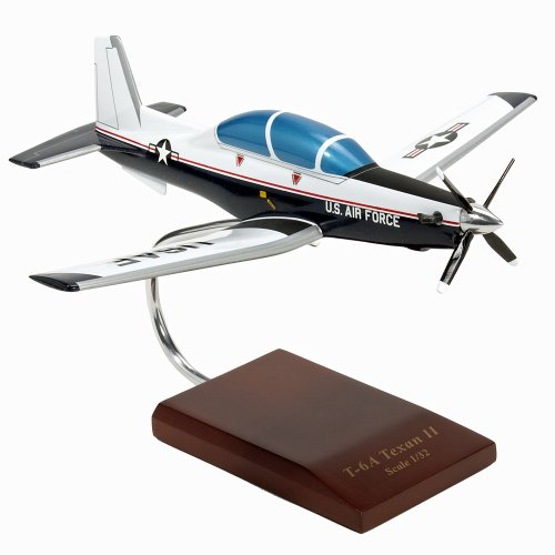 (Mastercraft Collection  Beechcraft T-6A Texan II USAF scale model Scale: 1/32)