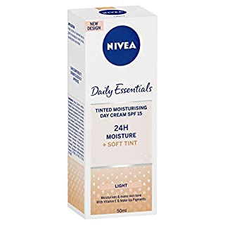 Nivea Visage Daily Essentials Tinted Moisturising Day Cream Natural SPF 15 (50ml)