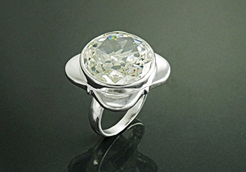 - Four-Leaf Clover Ring with Zirconias, Design Four-Leaf Clover, Sterling Silver Ring, set with a Majestic White, Cubic Zirconia, Gemstone