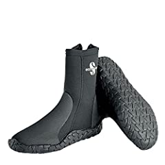 The ScubaPro Delta 5MM boots protect your feet from abrasion and provide warmth. Their neoprene construction features a durable outsole and rubberized armor. Each boot has anti-slip tread and built-in arch supports for comfort and safety. A l...