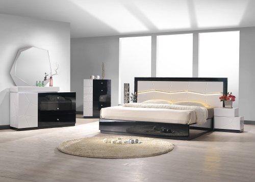 J&M Furniture 17854-K Turin King Bedroom set - Light grey & Black Lacquer ()