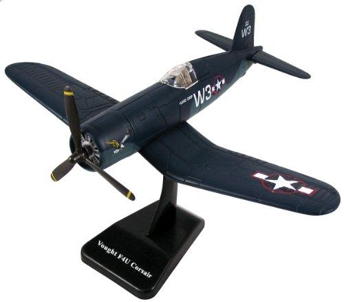 NewRay 1/48 WWII Plane Model Kit: Chance Vought F4U Corsair (Wwii Vought Corsair Aircraft F4u)