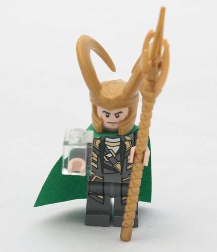 LEGO Super Heroes: Loki Minifigure (with Cosmic Cube) ()