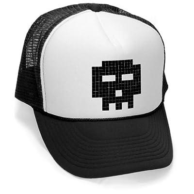 Megashirtz - 8-bit skull - Vintage Style Trucker Hat Retro Mesh Cap