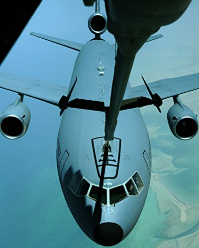 A U S  Air Force Kc 10 Extender Aircraft Assigned To The 380Th Air Expeditionary Wing Approaches Ano