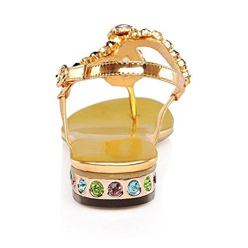 AllhqFashion Mujeres Material Mezclado Hebilla Puntera Dividida Mini Tacón Sandalia Gold