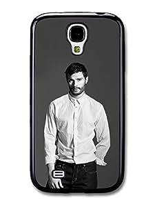 Christian Grey Jamie Dornan Posing in White Shirt carcasa de Samsung Galaxy S4 A4719