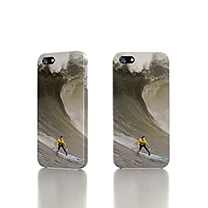 Apple iPhone 5 / 5S Case - The Best 3D Full Wrap iPhone Case - A Surfer Rides Down A Wave