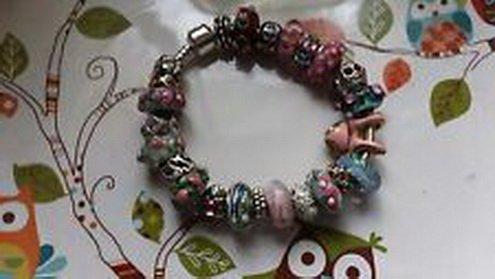 [Dan Smatree The Beads European Charm Bracelet OOAK 22 plus beads in Stock Pinks] (In Stock Hip Hop Costumes)