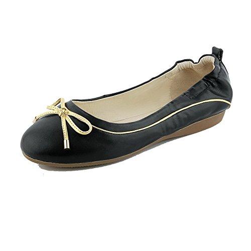 AllhqFashion Damen Rein PU Leder Niedriger Absatz Rund Zehe Ziehen auf Pumps Schuhe Schwarz