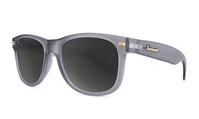 Knockaround Gafas de sol polarizadas no de golpes de Fort (Frosted Grey/Smoke)