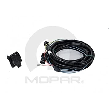 41xdtyatDNL._SY355_ amazon com 2009 2010 chrysler town & country trailer tow wiring Chrysler Town Country Aftermarket Accessories at panicattacktreatment.co