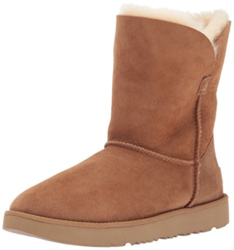 (UGG Women's Classic Cuff Short Winter Boot, Chestnut, 5 M US)