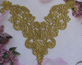 - Beautiful Large Vintage Dusted Gold Metallic Venice/venise Lace Yoke Trim