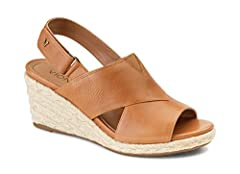 Zamar boasts an espadrille wedge with great foot covereage and prmium leather wide straps. Its revealing peep toe and secured slingback makes for a flawless fit.