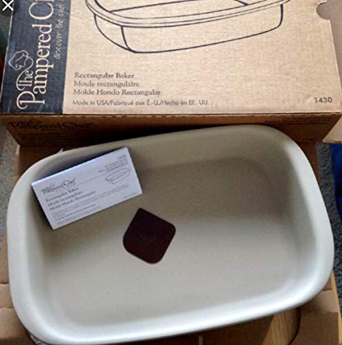 HARD TO FIND. PAMPERED CHEF. 1430 Rectangular Baker. STONEWARE BAKER NEW IN BOX ()