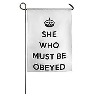Ella quien debe ser obedecida jardín bandera