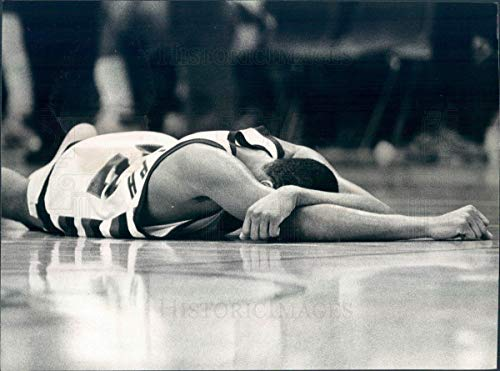 (Vintage Photos 1982 Press Photo DePaul Blue Demons Basketball Bernard Randolph - snb7417)