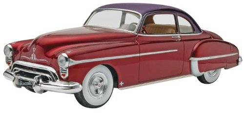 Revell 50 Olds Custom Plastic Model Kit