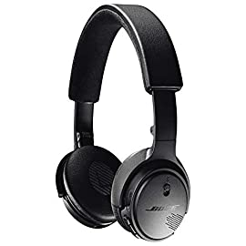Bose SoundLink On-Ear Bluetooth Headphones - Triple Black 40 Crisp, powerful sound, Noise-rejecting mic system for clear calls Up to 15 hours per charge, 15-minute charge provides up to two hours of play time Bose TriPort technology with Active EQ