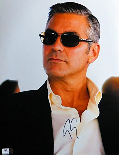 George Clooney Signed Autographed 11X14 Photo Gorgeous Sexy Sunglasses - Sunglass George