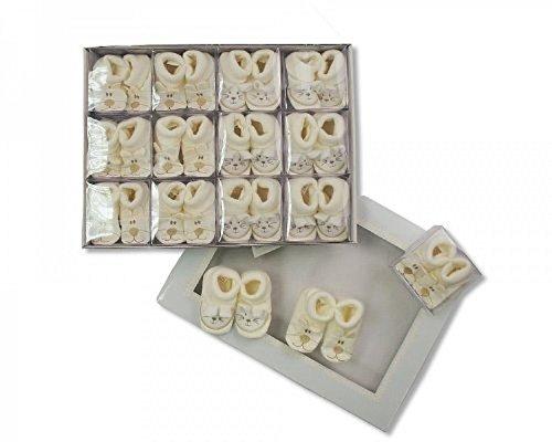 Caja bordado crema bebé patucos–