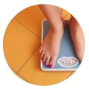 alfombrilla de ratón Un par de pies femeninos en una báscula de baño - ronda - 20cm