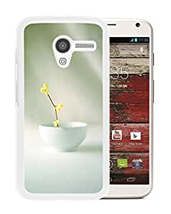 Unique DIY Designed Cover Case For Motorola Moto X With Small Yellow Flower In A Bowl Flower Mobile Wallpaper (2) Phone Case